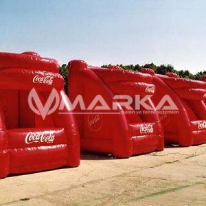 coca cola şişme standı