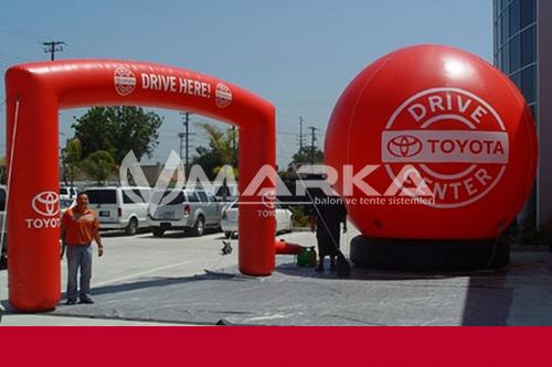 reklam balonu toyota
